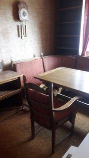 Eckbank mit Tisch Stuhl und