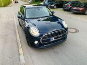 Mini One dunkelblau 102 PS
