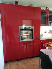 Einmaliges Angebot - Wunderschöne rote Einbauküche