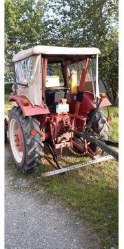 Traktor IHC 323 Cormick