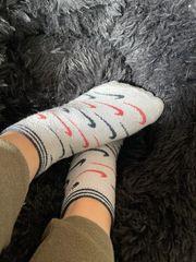 diverse Socken zu verkaufen