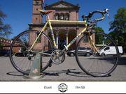 Duell Ferrara Rennrad Klassiker aus