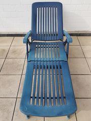 Stabile Gartenliege blau mit Armlehnen Rädern