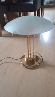 Lampe mit Glasschirm