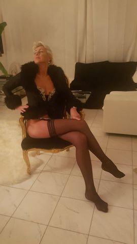 Attraktive Lady: Kleinanzeigen aus München Maxvorstadt - Rubrik Sie sucht Ihn (Erotik)