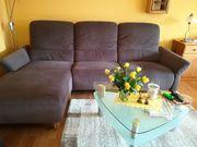 Hochlehner-Sofa moccabraun mit vollmotorischer Relaxfunktion