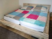 Bett aus Massivholz von Modular