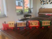 Holzspielzeug Zug mit Tierfarm