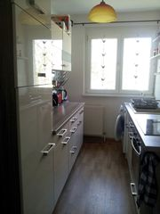 Einbauküche neuwertig mit E-Geräten