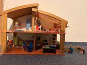 Neuwertiges Puppenhaus von Jako-o mit