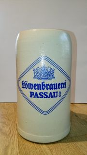 Masskrug Löwenbrauerei Passau Tonkrug 1l