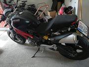 Ducati Monster696