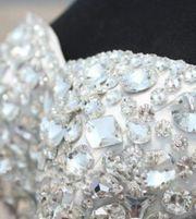 Brautkleid mit Kristallen