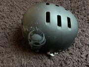 Skater-Helm von Bell Tony Hawk -