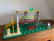70er Jahre Spielzeug- Tankstelle BP