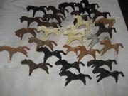 28 große Playmobil-Figuren Pferde 2