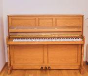 Klavier von Fuchs Möhr helle