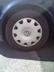 2 Stück originale VW Radkappen