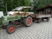 Fendt Schlepper mit Ackerwagen
