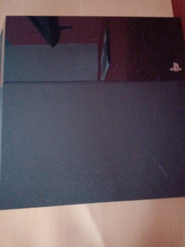 ps4 playstation 4 Konsole mit controller