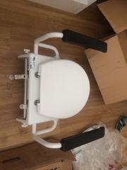 Toilettensitzerhöhung mit Armlehne von INVACARE