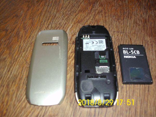 Handy Nokia silber
