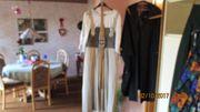 Umfangreiche Top Damen Trachten - Garderobe