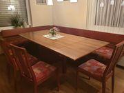 Eckbank mit Tisch und 4