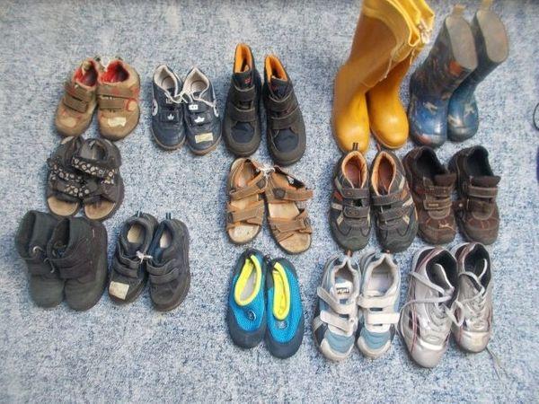 Jungen Schuhe Stiefel Halbschuhe Größe 27 bis 41 in Erlangen