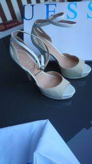 Weiß Creme Guess Schuhe Größe