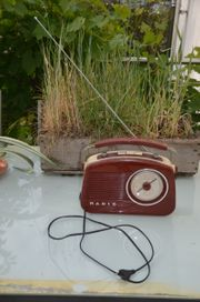 Retro Radio rot sehr hübsch