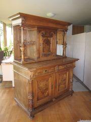 Möbel Set aus Holz - Zimmerausstattung