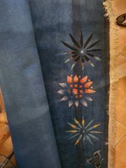 Teppich groß dunkelblau mit roten