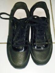 Sneaker Gr 40 in schwarz