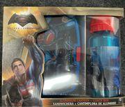 Batman vs Superman Brotdose Flasche