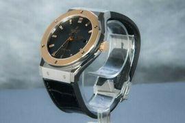Uhren - Hublot Classic Fusion Titan 18