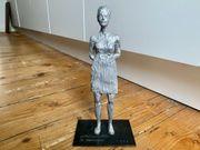 Stephan Balkenhol Skulptur Stehende Frau