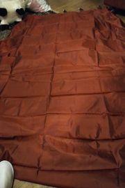 roter und Grun samt Vorhang