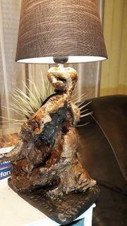 Lampe aus Naturholz