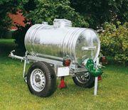 Biete Wasserwagen und Fässer verzinkt