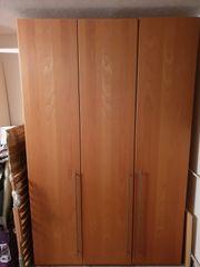 Kleiderschrank Massivholz zu verkaufen