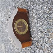 Alte Uhr aus Holz