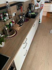 Schöne Küche inkl Geräte von
