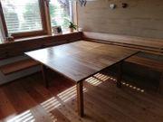 Eckbank und Tisch Nußholz Tischlermöbel
