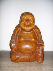 Buddha aus Holz