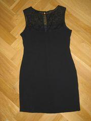 Ungetragenes schwarzes Kleid von S