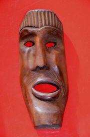 Holz-Maske