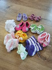 Baby-Pötschle und Babykappen zu verschenken