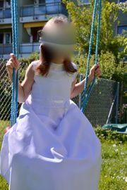 Erstkommunionskleid mit Reifrock