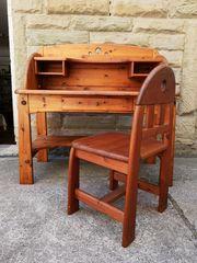 Schreibtisch mit Stuhl Vollholz